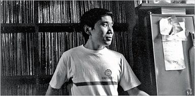 "Murakami nel suo jazz bar ""Peter Cat"" a  Tokyo"